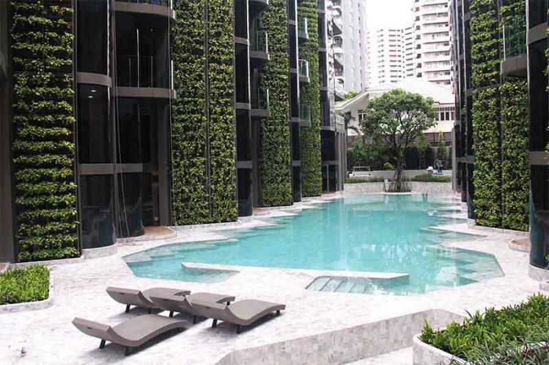 Vertical garden pool